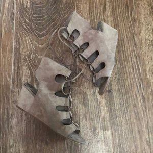 Dolce Vita Lace Up Sandals 6.5
